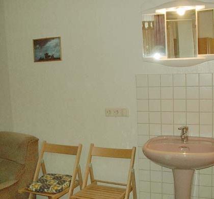 EZ1 Waschbecken -  Wohnung 1
