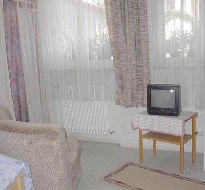 DZ2 mit 2 getrennten Betten / TV