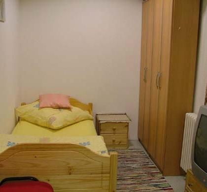 DZ4 mit 2 getrennten Betten / TV